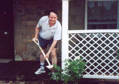 William Thomas planting rose and Ken3 (2)